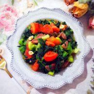 创意料理の迎春接福~蒜香小油菜番茄炒腊肠