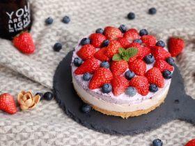 草莓蓝莓双拼冻芝士蛋糕