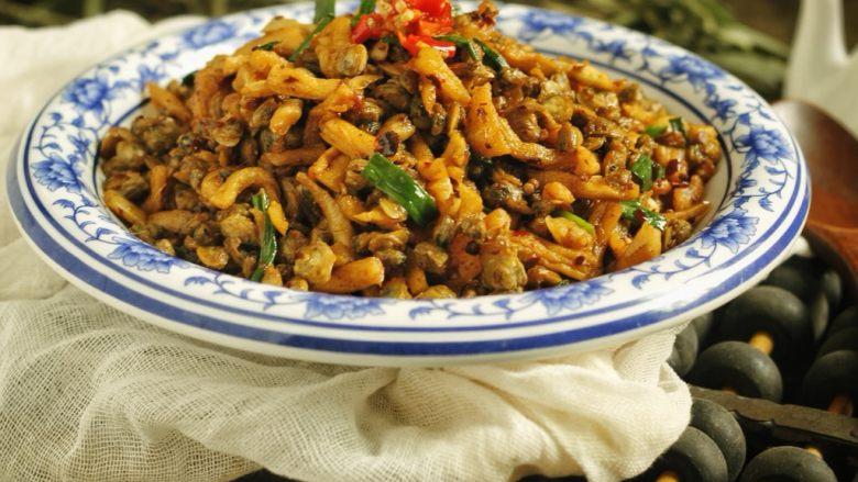 萝卜干炒蚬肉(麻辣风味)