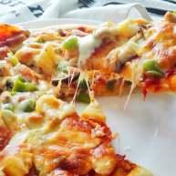 馅料足足的超级至尊匹萨