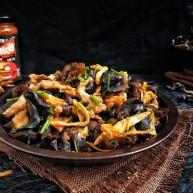 营养黄花菜木耳炒肉