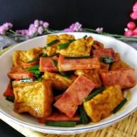 炸豆腐泡酱溜火腿韭苔