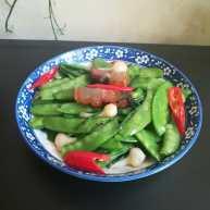 #下酒菜#绿油油的腊肉炒豌豆荚