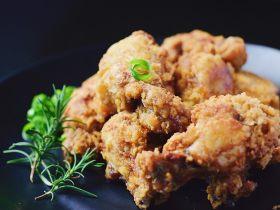 外酥里嫩的健康秘制炸鸡