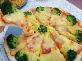 西兰花培根披萨