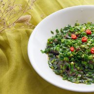 猜着做饭:韭香牦牛肉