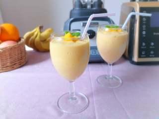香蕉芒果冰沙