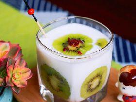 下午茶-猕猴桃酸奶杯