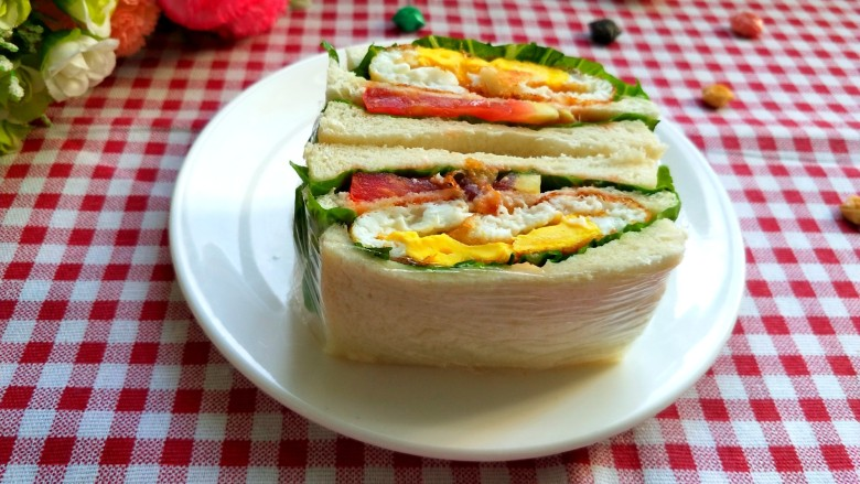 了不起的小番茄  番茄土司三明治