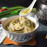 鸭腿腌菜汤