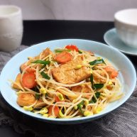黄豆芽炒煎豆腐