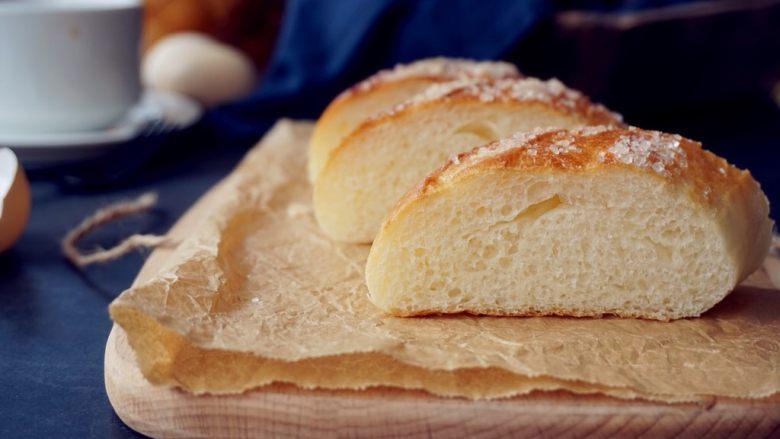 蛋清奶香面包