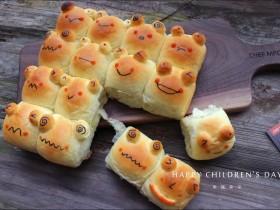 青蛙挤挤小面包