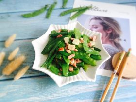 家常小炒菜+培根炒荷兰豆