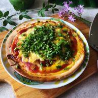早餐番茄酱火腿鸡蛋披萨