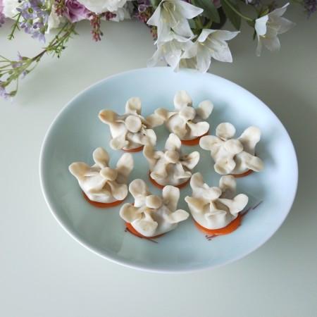 白梅花鲜虾蒸饺
