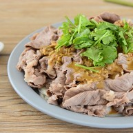 麻酱肥牛金针菇—肥牛配金针菇,怎么做都好吃