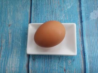海苔鸡蛋卷,然后准备一个鸡蛋