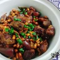 营养又美容的黄豆焖猪蹄