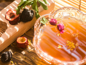 【酸梅汤】最正宗的古法酸梅汤,是烟熏味的