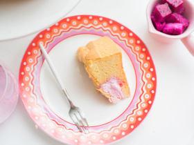 火龙果奶油夹心蛋糕