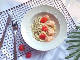 宝宝辅食10M➕:黄瓜虾滑面线