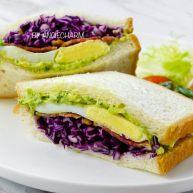 西兰花牛油果沙拉三明治