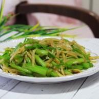芹菜炒土豆丝