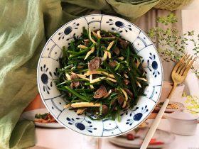 韭苔香干炒牛肉丸子片
