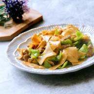 家常炒菜~干豆腐青椒炒肉