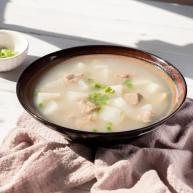 牛腩白萝卜煲汤