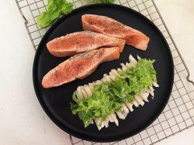 十味  黑椒香柠三文鱼果蔬沙拉