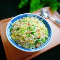 十味  午餐肉黃瓜蛋炒飯