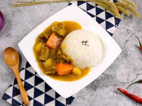 咖喱牛腩拌饭,哪道菜敢说比它更下饭?