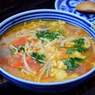 番茄金针菇鸡蛋汤