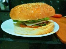 新文美食  牛肉自制汉堡