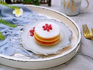 10分钟轻松搞定快手早餐~酸奶松饼,筛上一层糖粉!快手早餐~