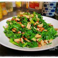 輕脂系列之芹菜葉炒雞蛋干