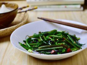 凉拌红菜苔心