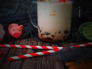 脏脏茶,口感细腻香甜,还有黑糖珍珠的Q弹和浓郁