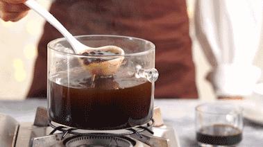 网红脏脏茶,直至煮透后盖上盖子焖30分钟左右,晾凉备用