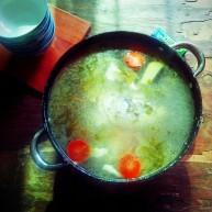 酸香风味鱼头锅