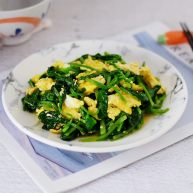鸡蛋炒菠菜