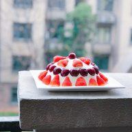 草莓季的惊喜——草莓炸弹蛋糕