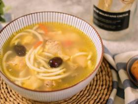 别样风味的椰子鸡汤,这样的鸡汤你一定会喜欢的