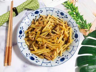 蚝油冬笋香菇炒肉丝