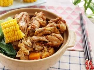 电饭锅焖饭,一碗香喷喷的懒人饭就好了,妈妈省事不说,营养全面又好吃。