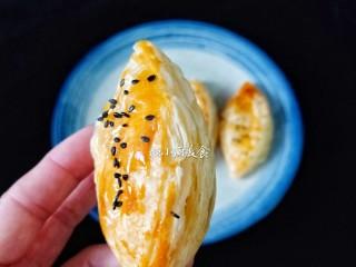 芒果酥,趁热吃。