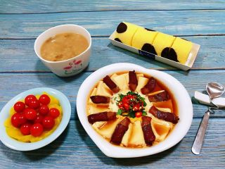 腊肉蒸豆腐卧蛋,简单的食材用心去做就会有意想不到的收获