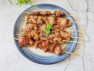 烤牛肉串,味道鲜美又好吃。